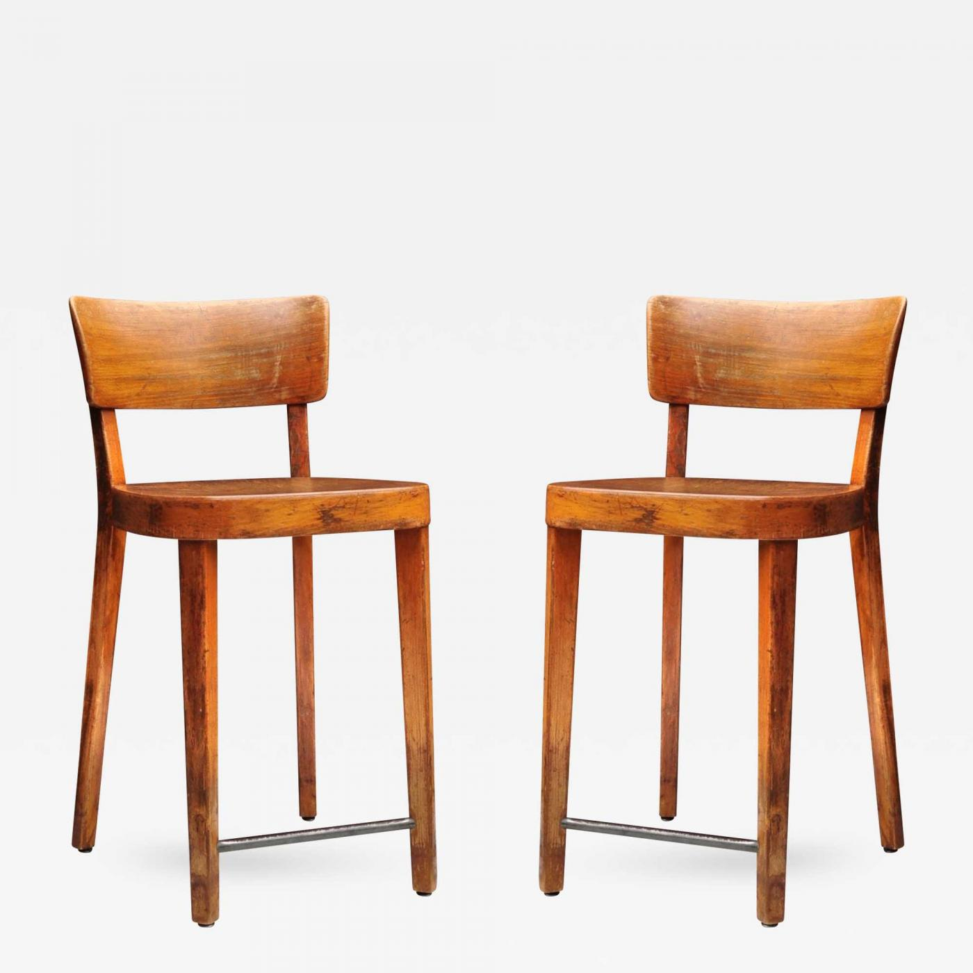 Pair of Horgen Glarus Island Chairs Image